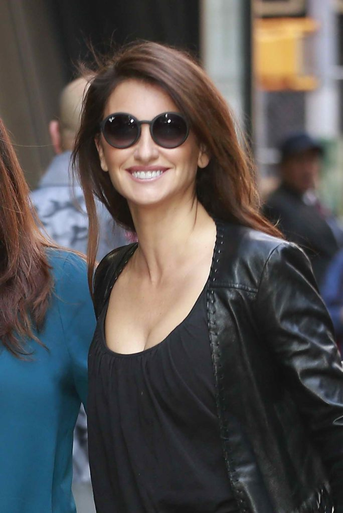 Penelope Cruz Arrives at ABC Studios at Times Square in New York City 05/23/2016-4