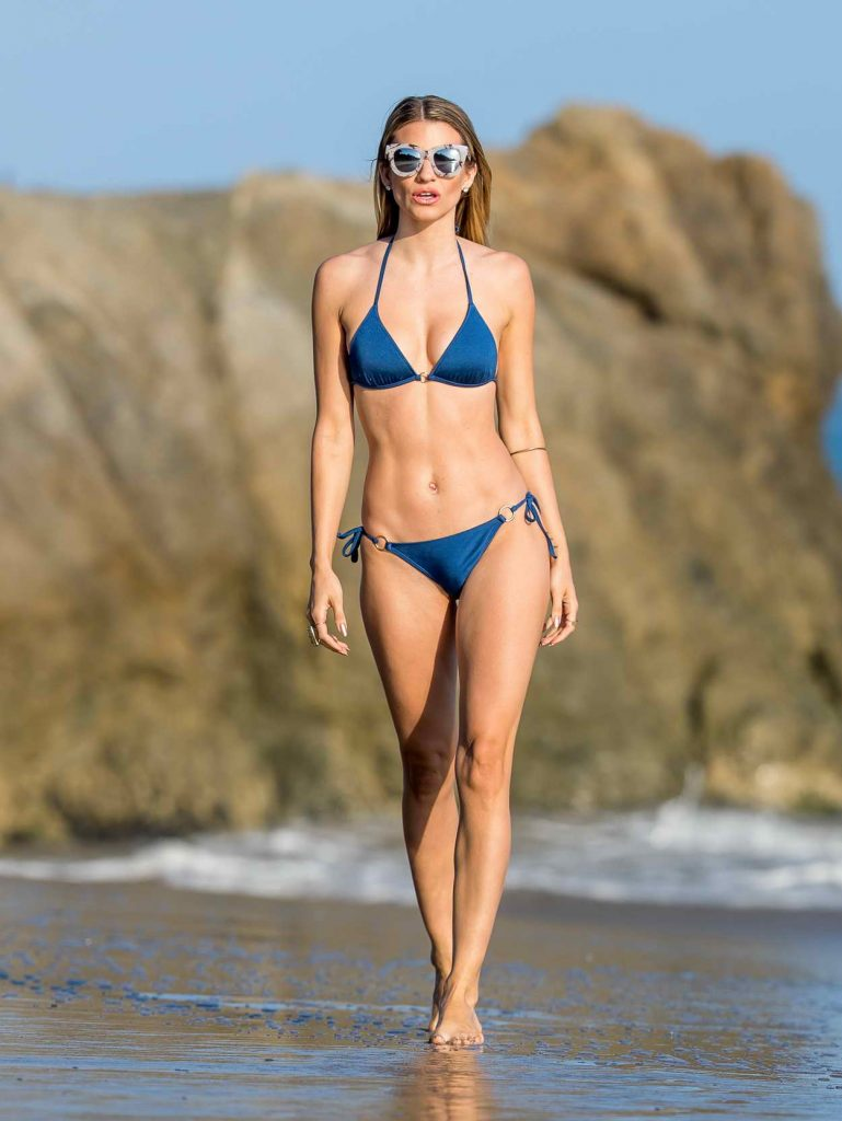 Rachel McCord Was Seen at the Beach in Los Angeles 05/29/2016-1