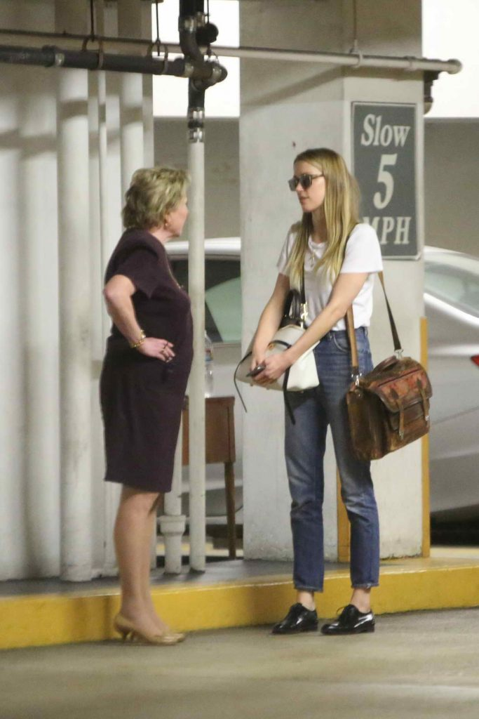 Amber Heard Visits the Law Offices of Gloria Allred in Los Angeles 06/03/2016-1
