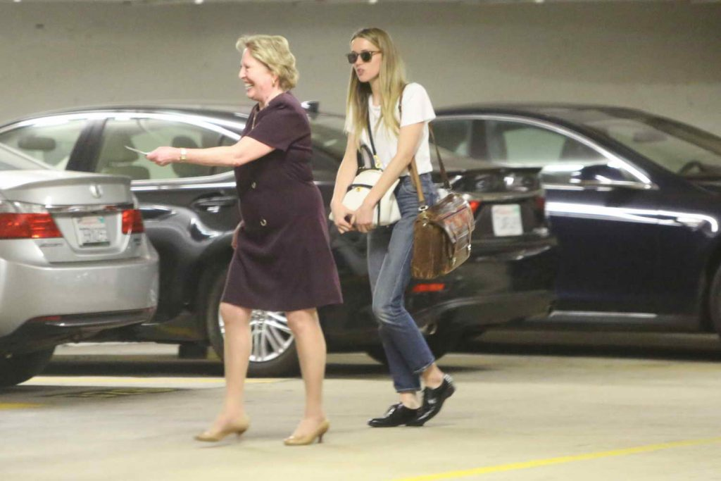 Amber Heard Visits the Law Offices of Gloria Allred in Los Angeles 06/03/2016-5