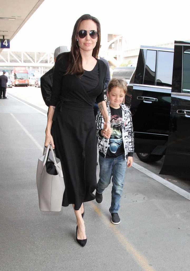 Angelina Jolie Arrives at LAX Airport in LA 06/17/2016-1