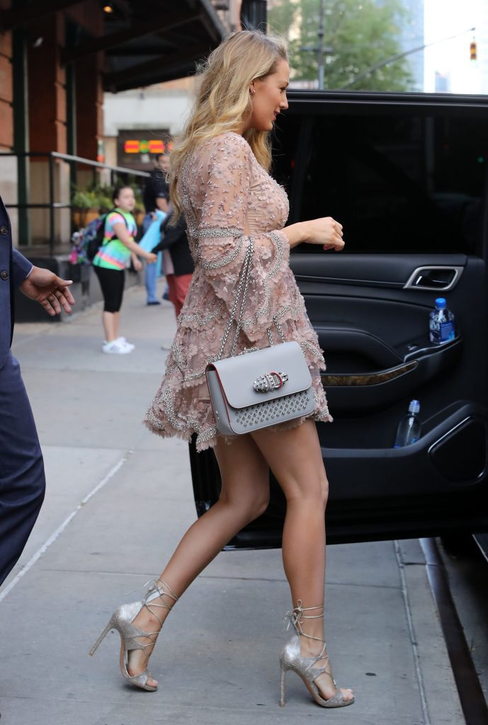 Blake Lively Leaves Her Hotel in New York City 06/20/2016-4