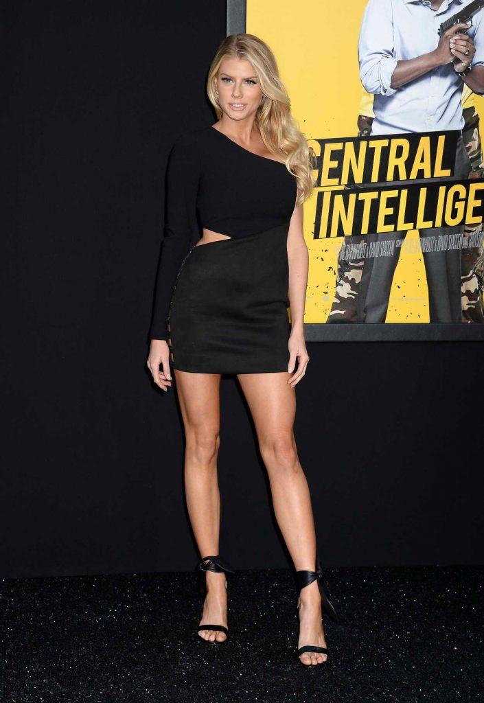 Charlotte McKinney Attends the Central Intelligence Premiere in Regency Village Theater in Westwood 06/10/2016-1