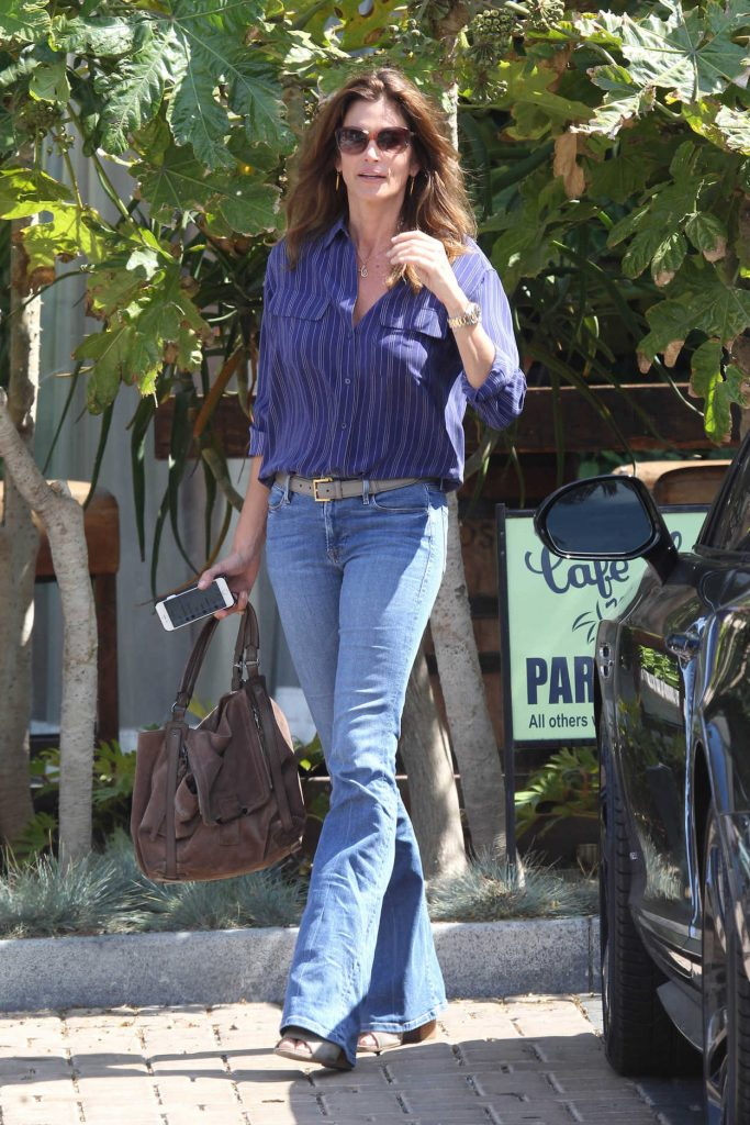 Cindy Crawford Visits Cafe Havana in Malibu 06/28/2016-1