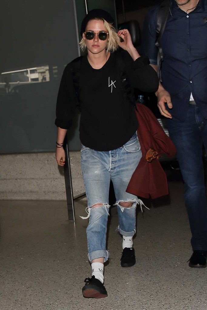 Kristen Stewart Was Seen at LAX Airport in Los Angeles 06/24/2016-1