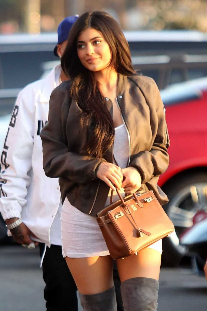 Kylie Jenner Was Seen Out in Calabasas 06/24/2016-1