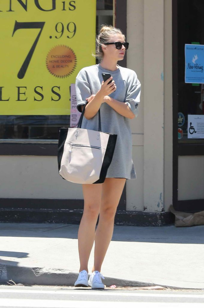 Maria Sharapova Was Spotted Out in Venice 06/19/2016-2