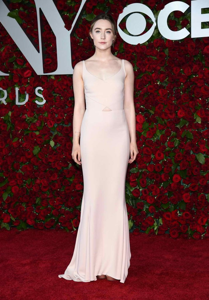 Saoirse Ronan at 2016 Tony Awards in New York 06/12/2016-1