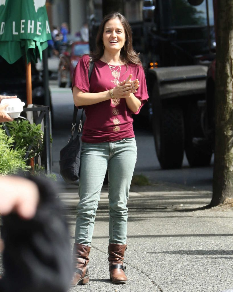 Danica McKellar Was Seen Out in Vancouver 07/17/2016-1
