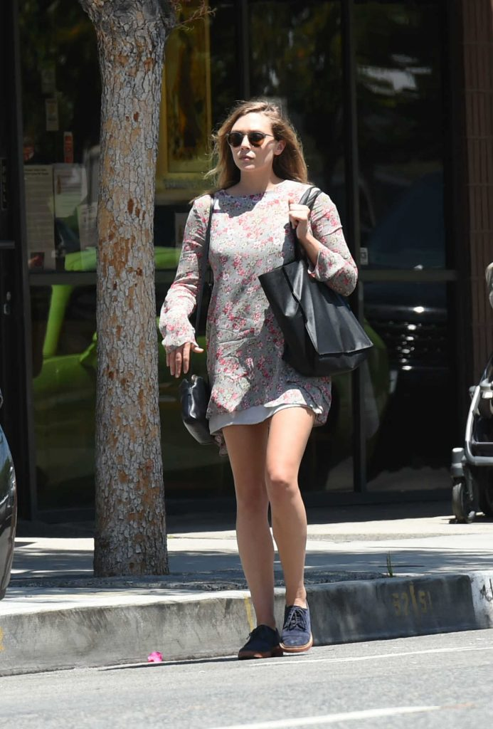 Elizabeth Olsen Walkes to Her Car in Los Angeles 07/11/2016-1