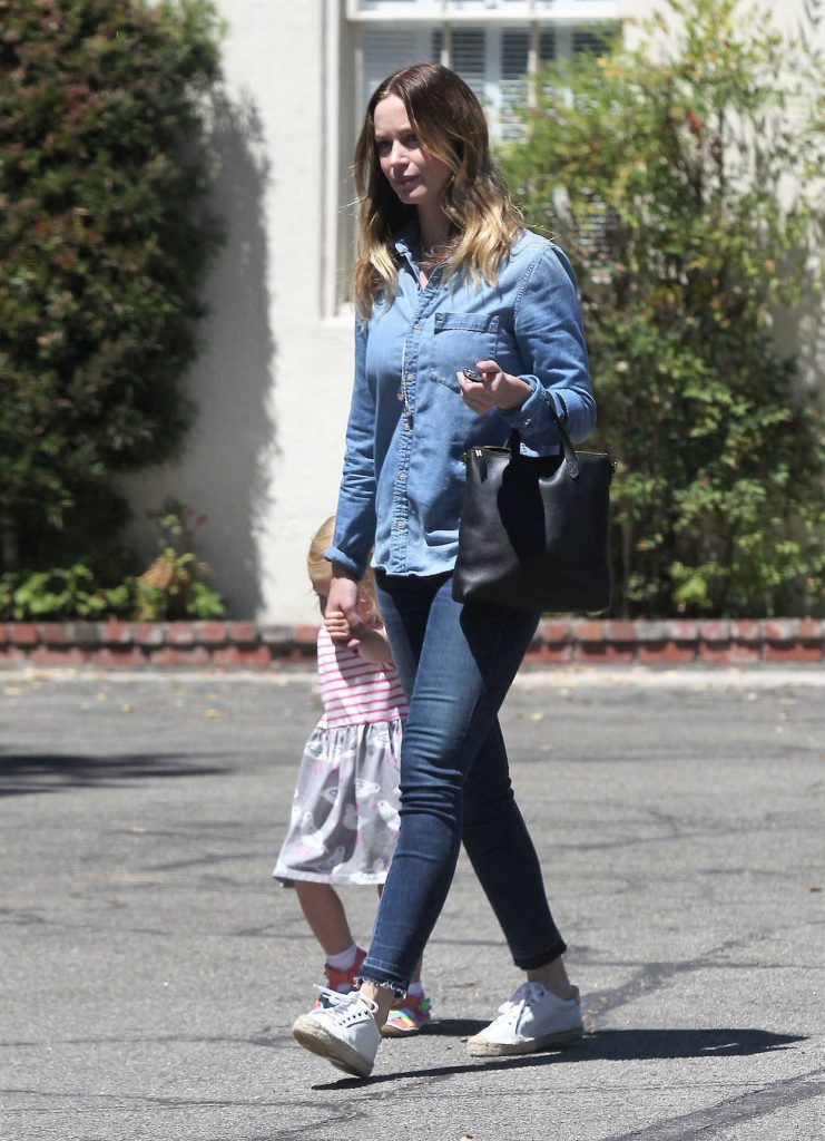 Emily Blunt Was Seen Out in Los Angeles 07/19/2016-1