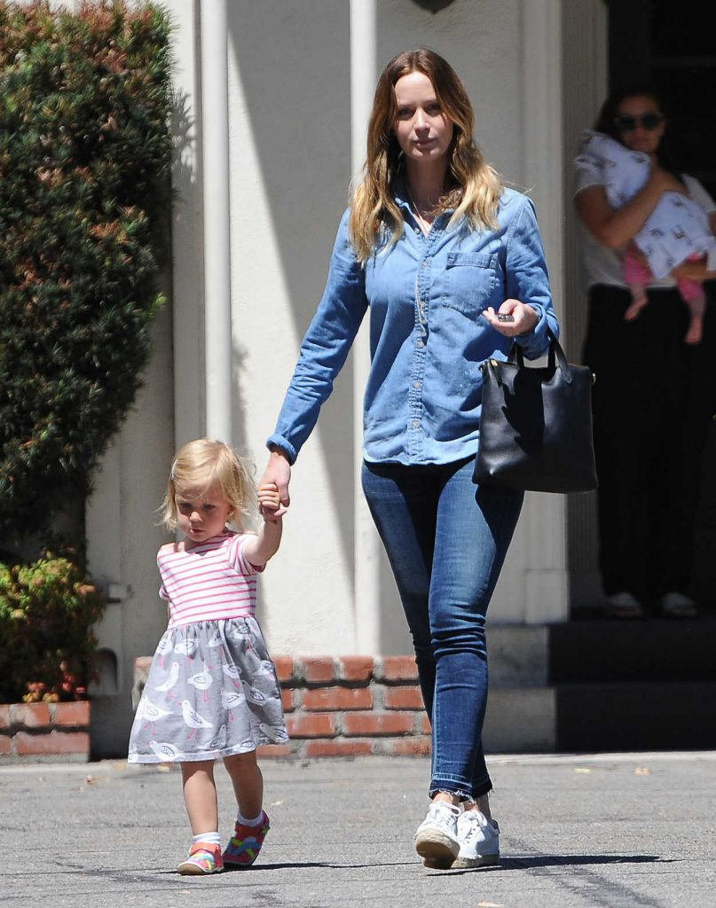Emily Blunt Was Seen Out in Los Angeles 07/19/2016-2