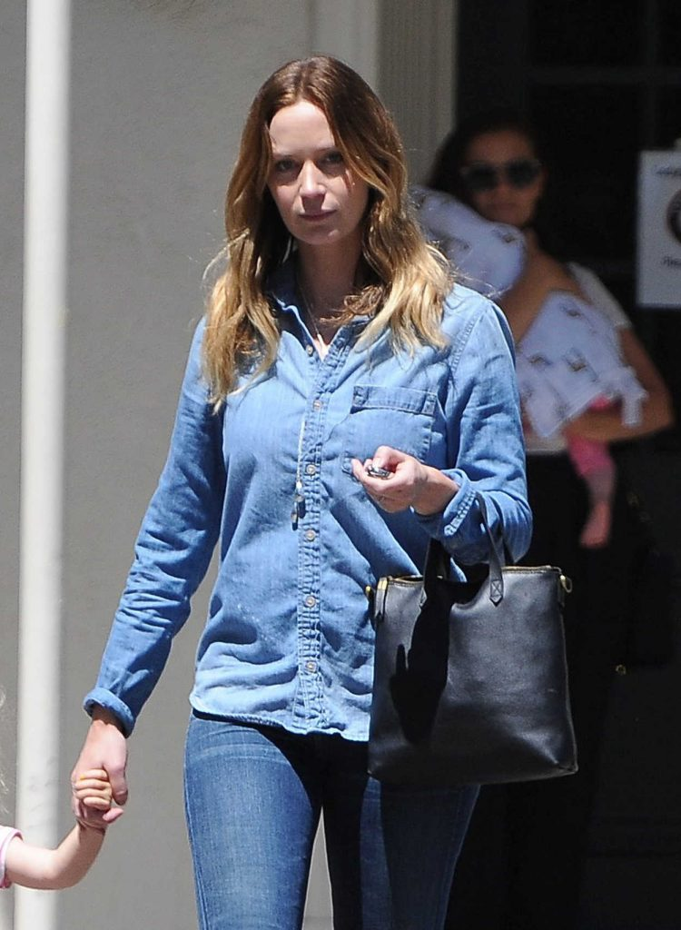 Emily Blunt Was Seen Out in Los Angeles 07/19/2016-3
