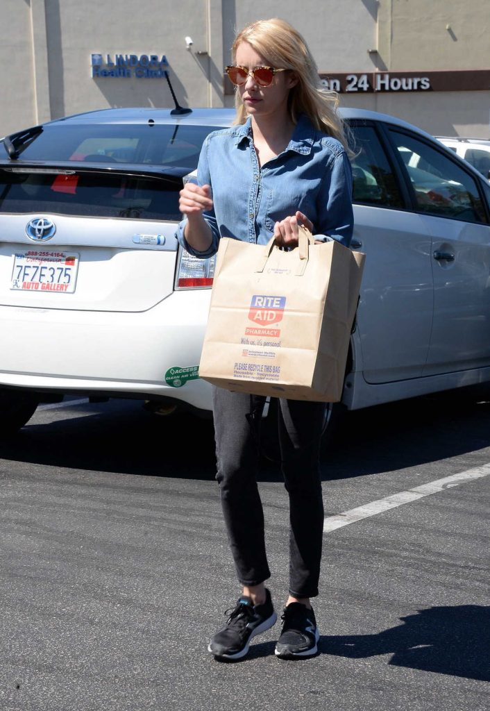 Emma Roberts Was Spotted Out in Los Angeles 07/17/2016-1