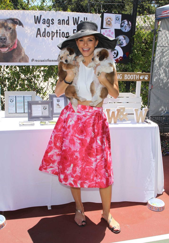 Maria Menounos at 16 Birthday Party for Her Dog in Los Angeles 07/10/2016-1