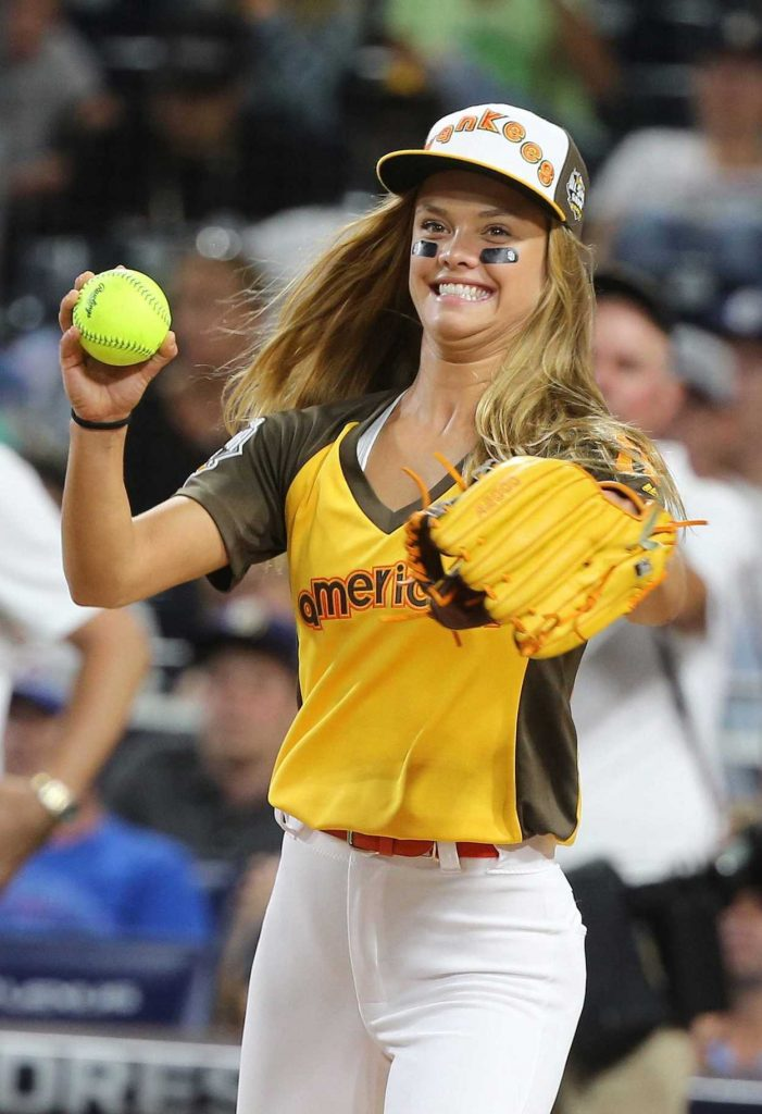 Nina Agdal at 2016 MLB All-Star Legends and Celebrity Softball Game in San Diego 07/10/2016-1
