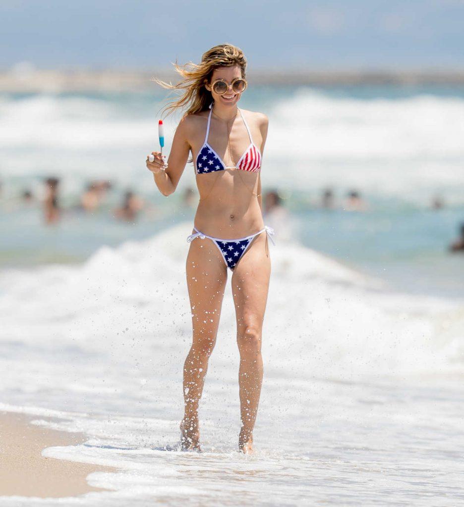 Rachel McCord in Bikini at the Beach in Venice, California 07/04/2016-1