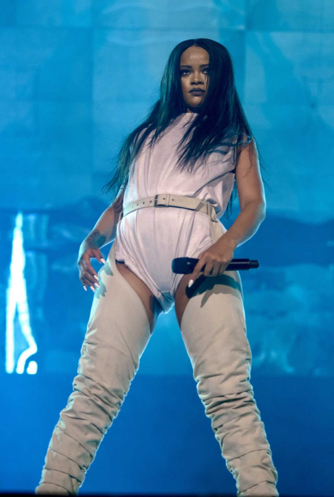 Rihanna Performs During Her Anti-World Tour in Stockholm 07/05/2016-1