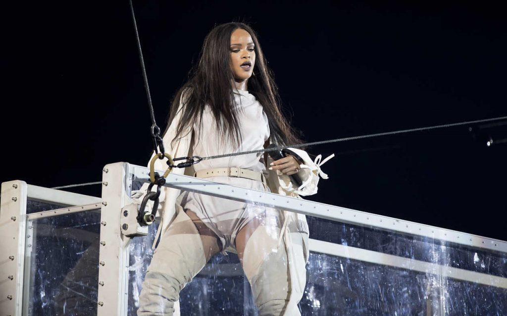 Rihanna Performs During Her Anti-World Tour in Stockholm 07/05/2016-4