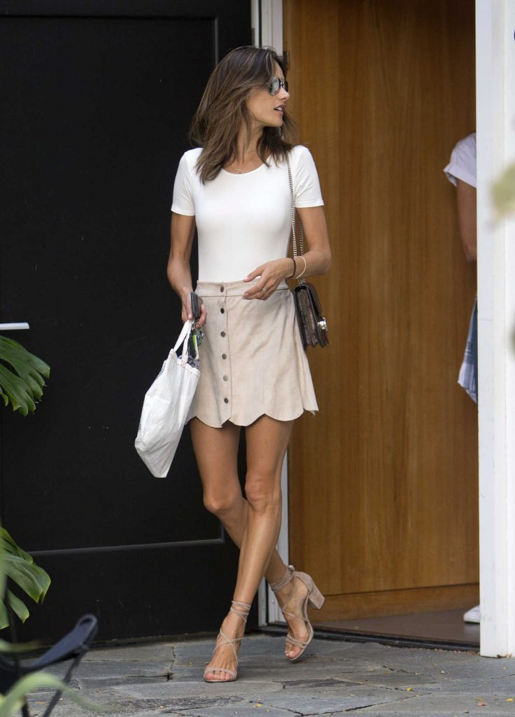 Alessandra Ambrosio Shops at Isabel Marant on Melrose Place in West Hollywood 08/22/2016-1