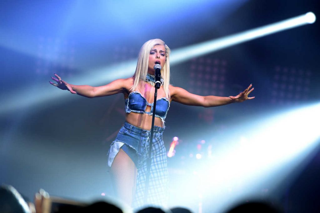 Bebe Rexha Performs at a MTV Pre VMA Concert in New York 08/27/2016-2