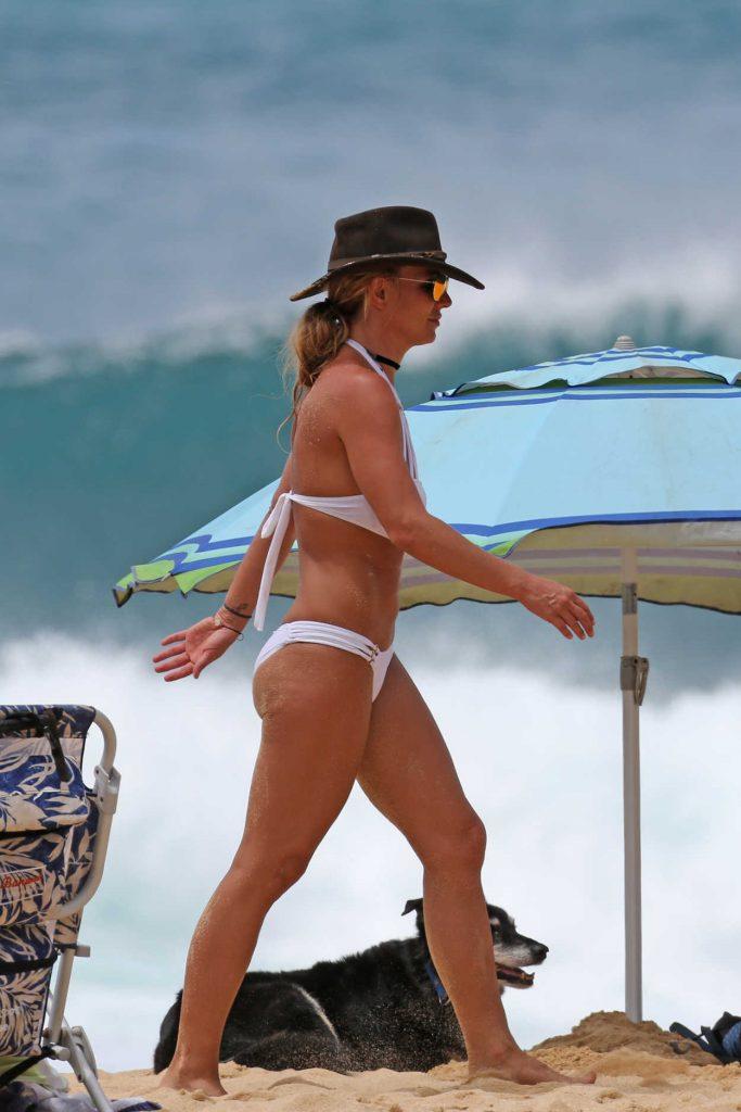 Britney Spears Wearing a Bikini at the Beach in Hawaii 08/05/2016-5