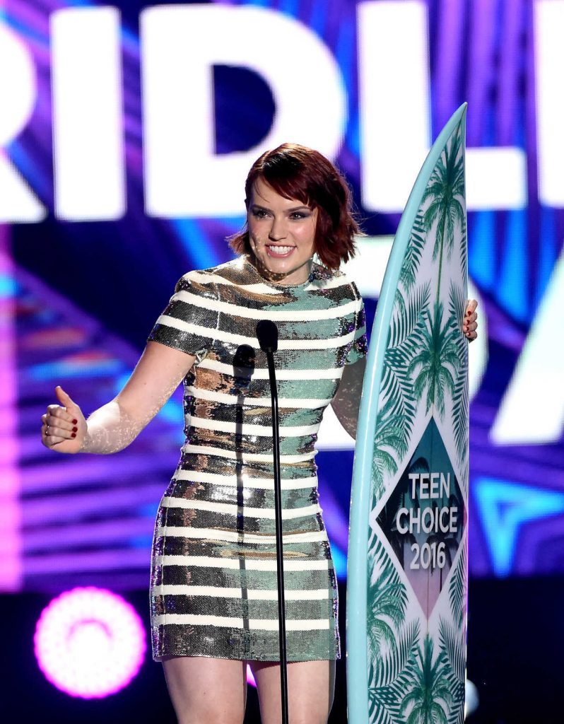 Daisy Ridley at 2016 Teen Choice Awards in Inglewood 07/31/2016-3