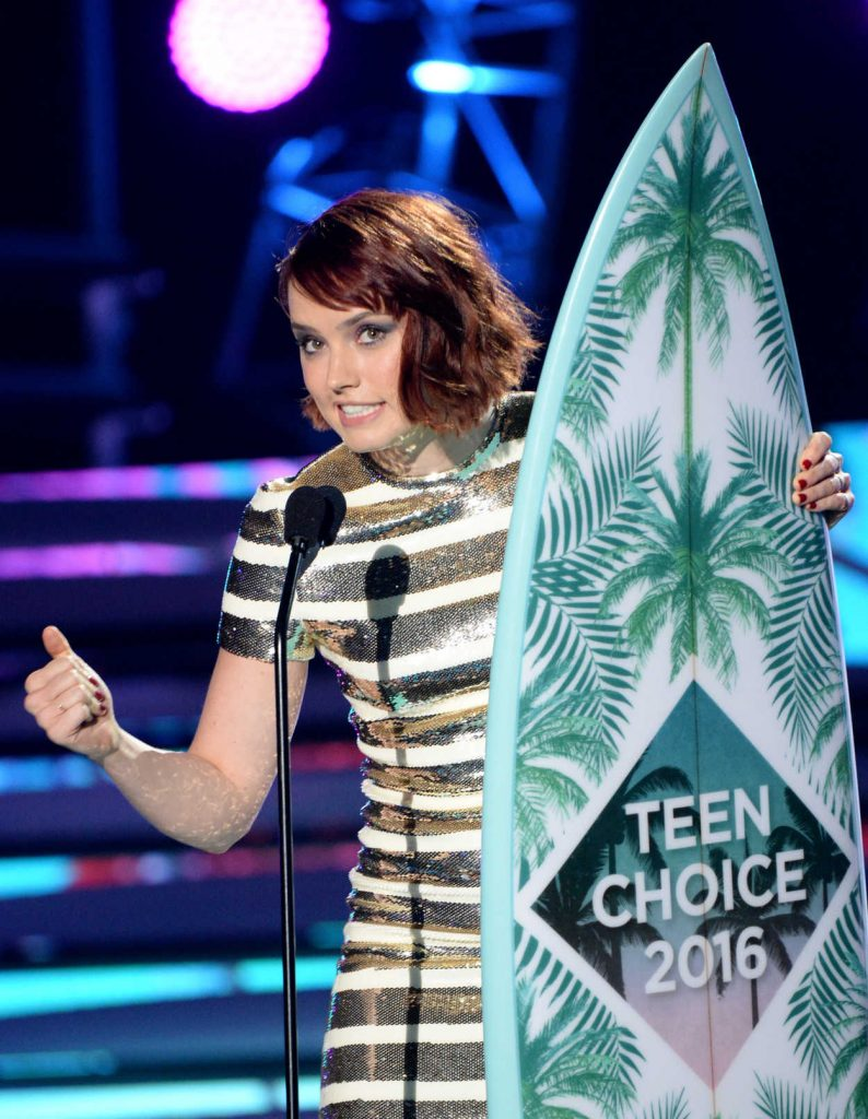 Daisy Ridley at 2016 Teen Choice Awards in Inglewood 07/31/2016-4