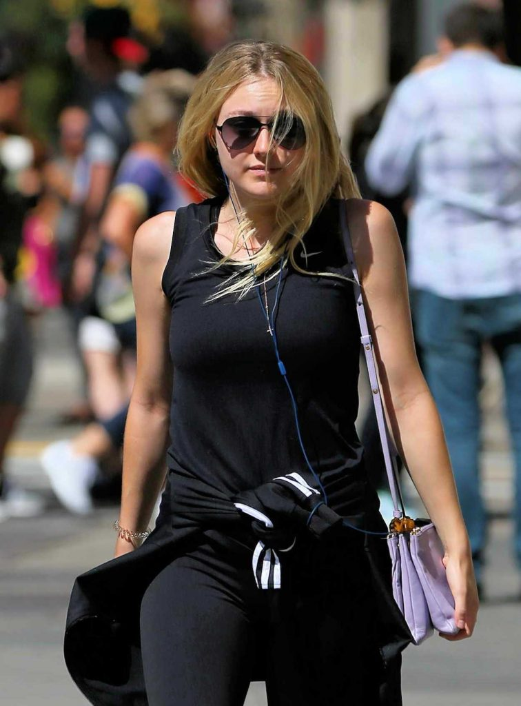 Dakota Fanning Leaves the Gym in New York City 08/22/2016-4