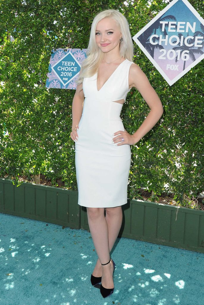 Dove Cameron at 2016 Teen Choice Awards in Inglewood 07/31/2016-1