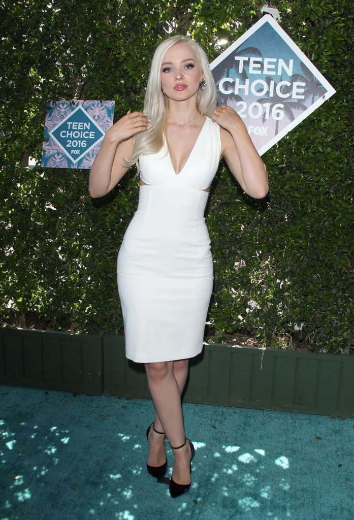 Dove Cameron at 2016 Teen Choice Awards in Inglewood 07/31/2016-3
