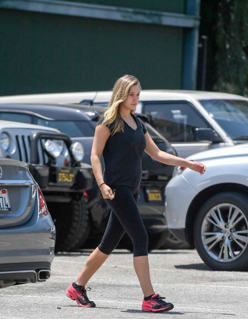 Elizabeth Olsen Leaves a Gym in West Hollywood 08/03/2016-2