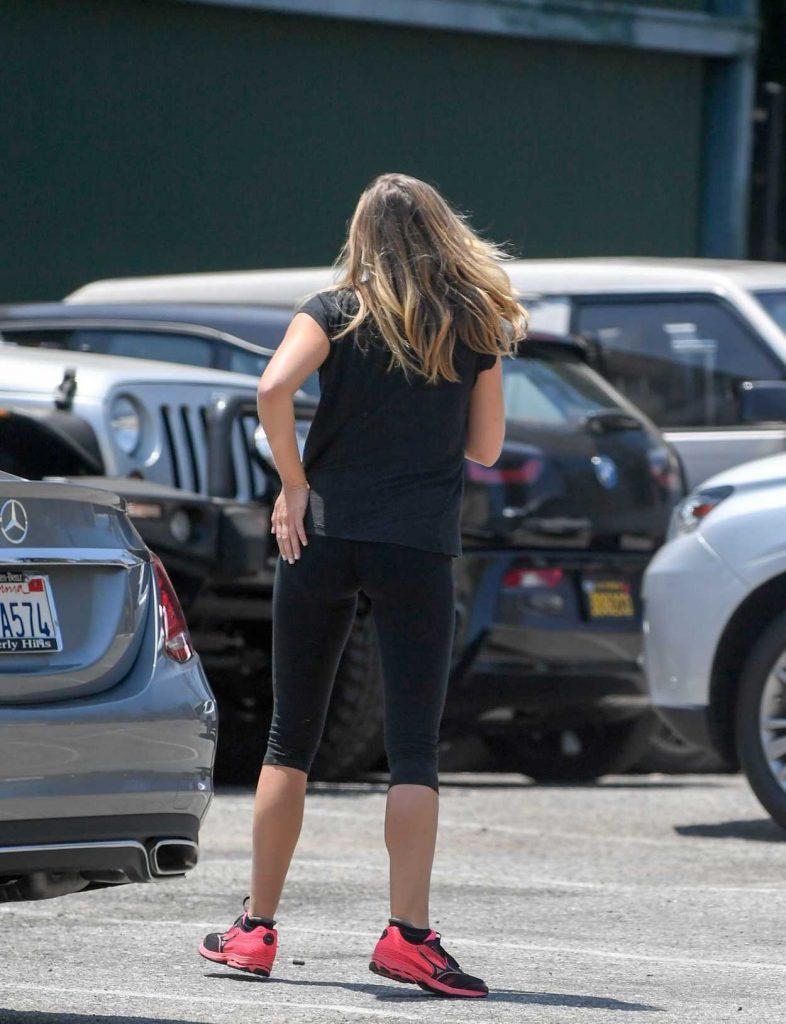 Elizabeth Olsen Leaves a Gym in West Hollywood 08/03/2016-4