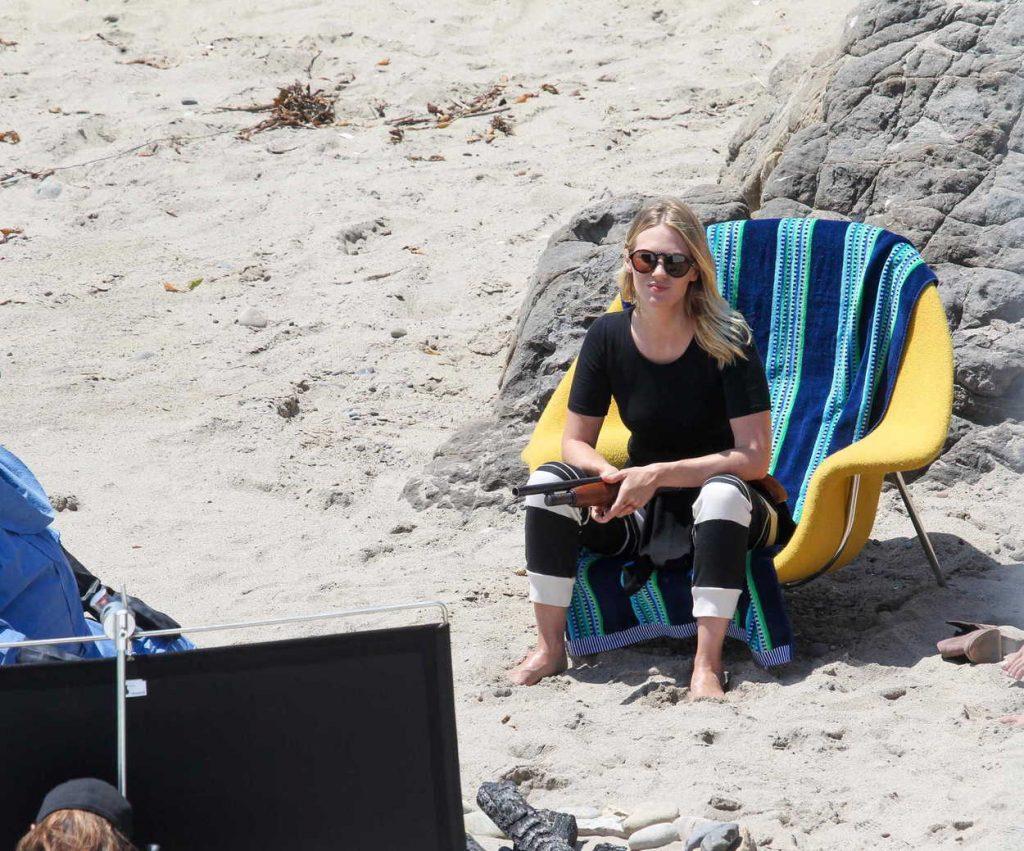 January Jones on the Set of The Last Man on Earth in Malibu 08/03/2016-3