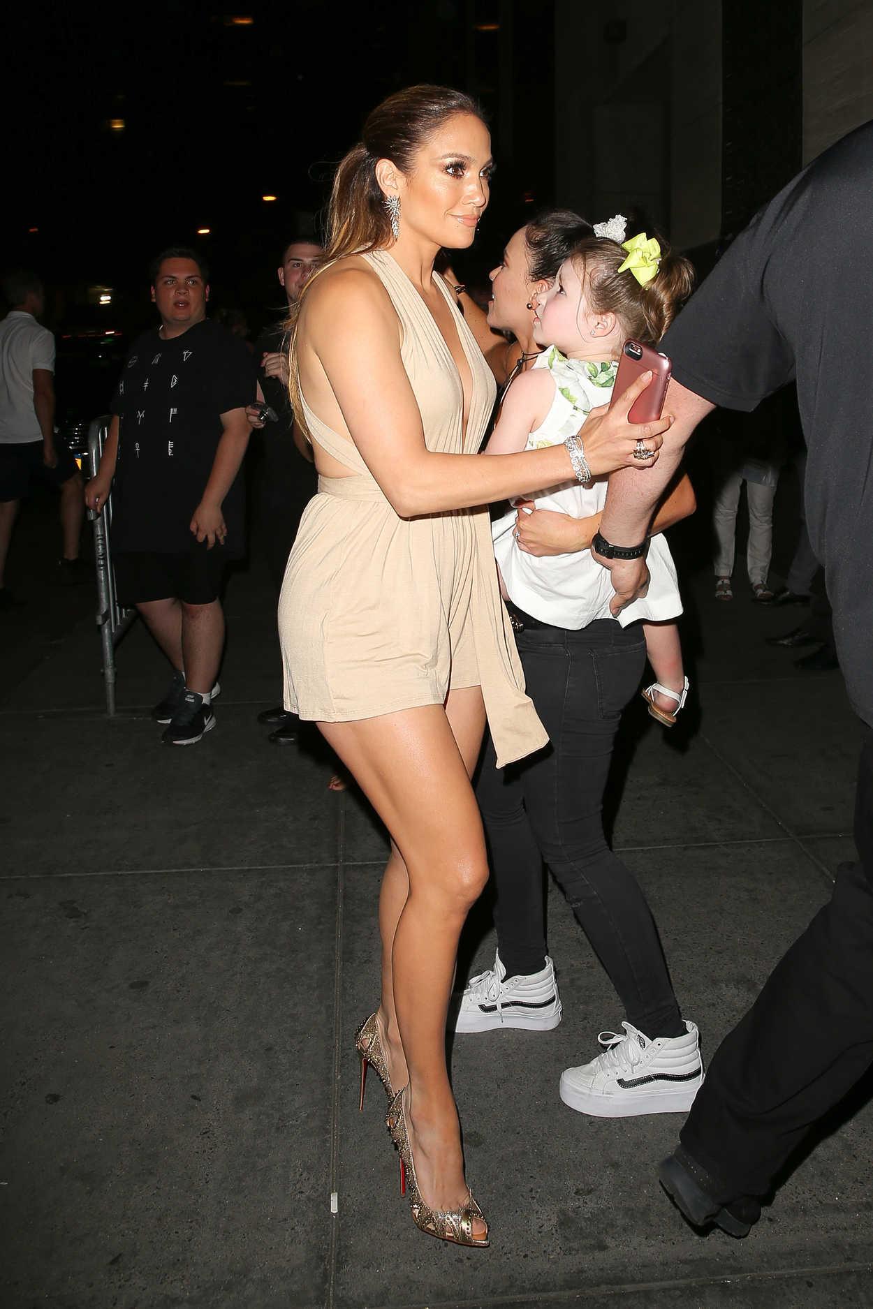 Jennifer Lopez Attends Marc Anthony S Concert At Radio