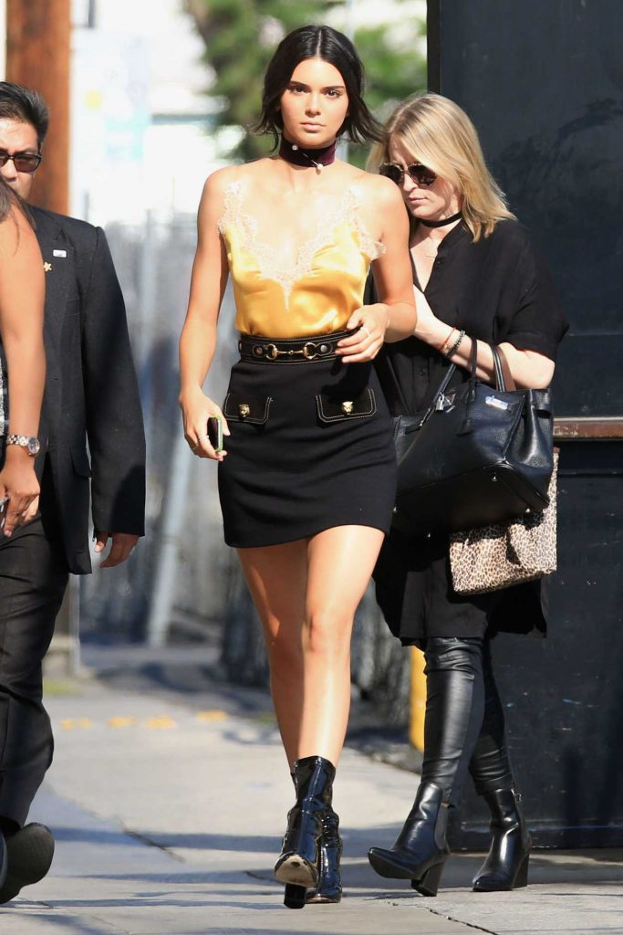 Kendall Jenner Arrives to a Taping of Jimmy Kimmel Live 08/24/2016-1