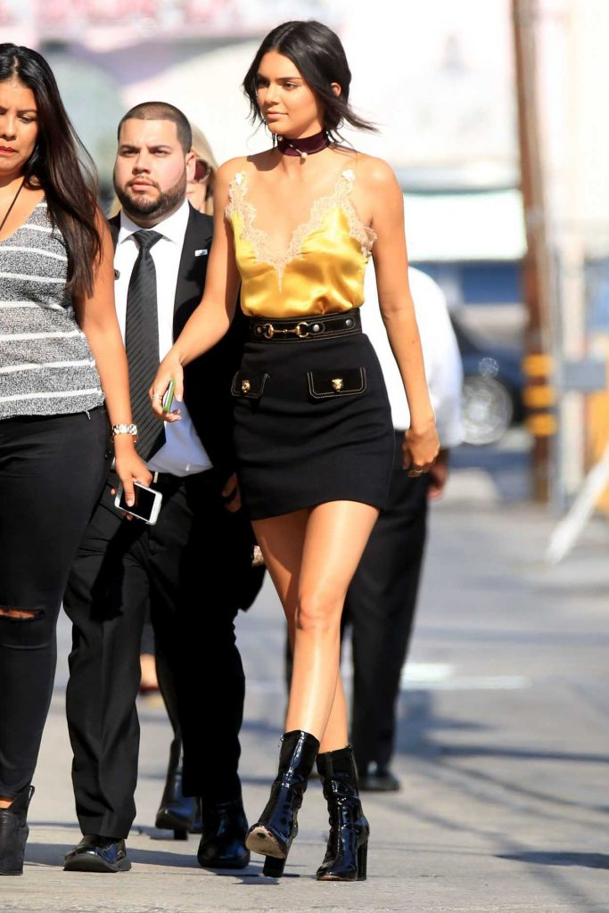 Kendall Jenner Arrives to a Taping of Jimmy Kimmel Live 08/24/2016-3