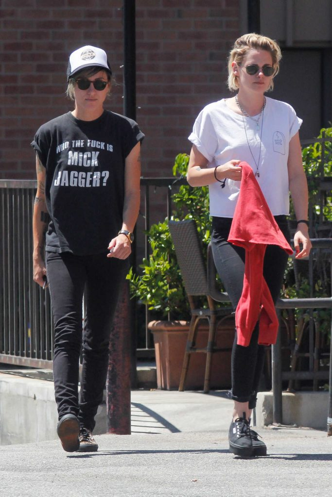 Kristen Stewart With Her GF Was Seen Out in Los Feliz 08/11/2016-1