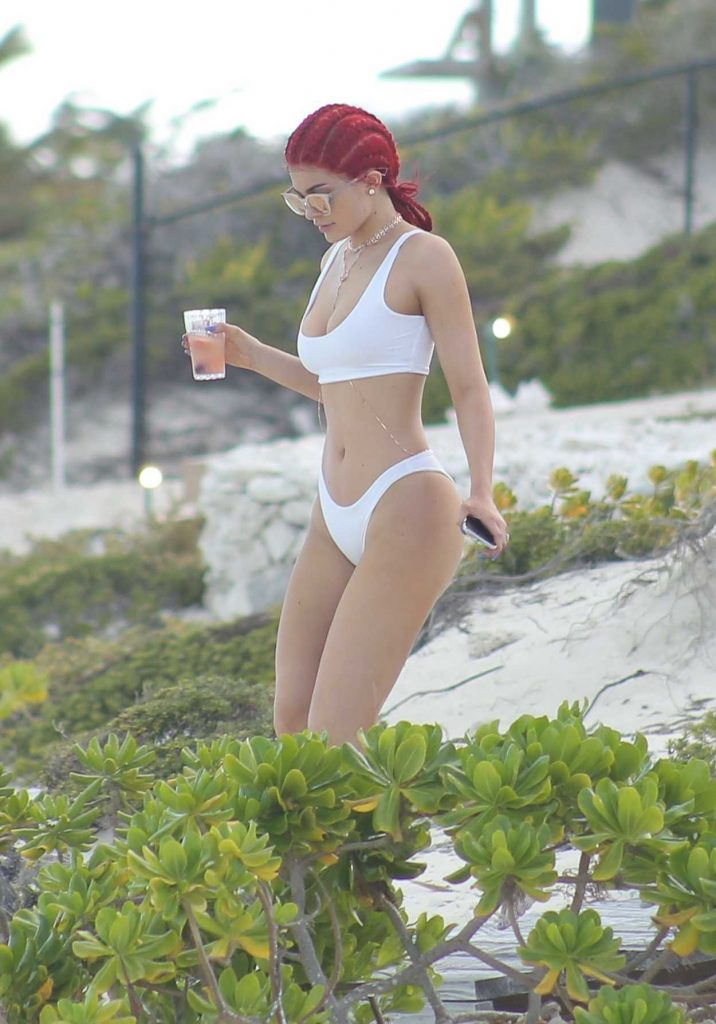 Kylie Jenner in Bikini at the Beach in Turks and Caicos 08/10/2016-5