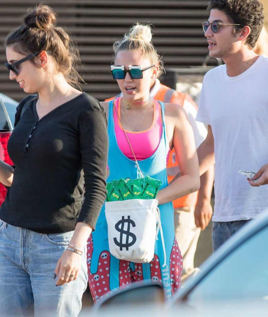 Miley Cyrus Was Seen Out at a Nobu Restaurant With Liam Hemsworth 08/21/2016-1