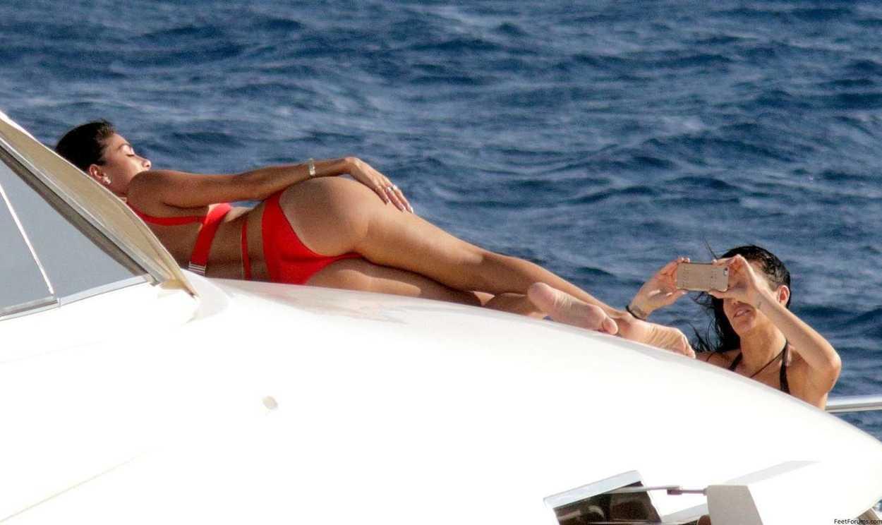 Nicole scherzinger bikini images