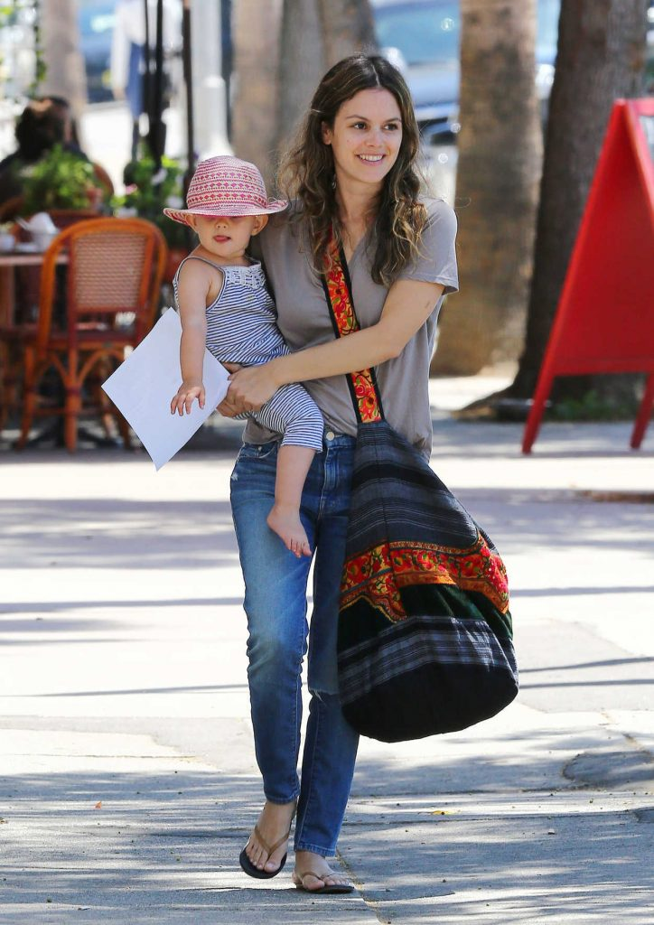 Rachel Bilson With Her Daughter Leaves Pint Sized Kids in Studio City 08/18/2016-1