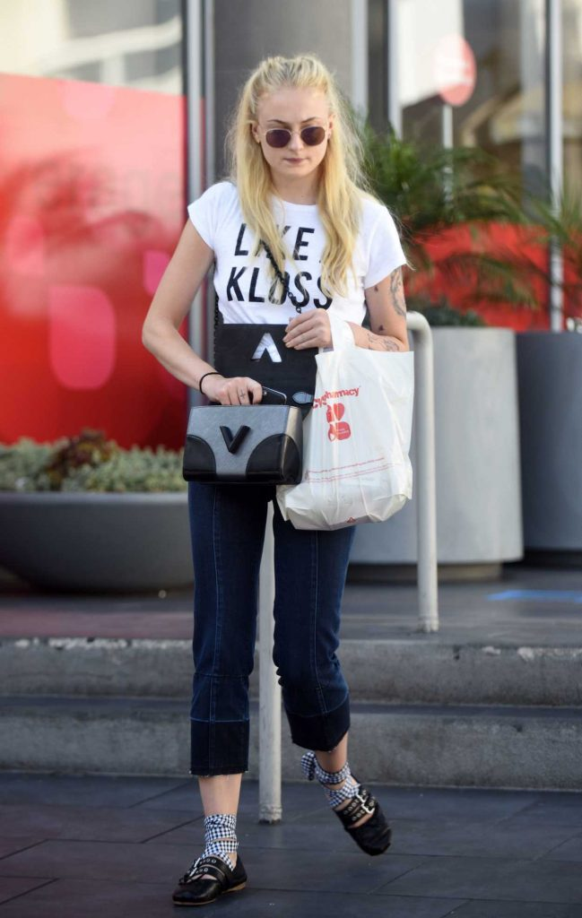 Sophie Turner Goes Shopping With Her Friend in London 08/23/2016-1