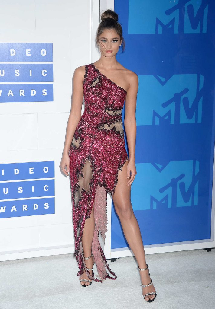 Taylor Marie Hill at 2016 MTV Video Music Awards at Madison Square Garden in New York 08/28/2016-1