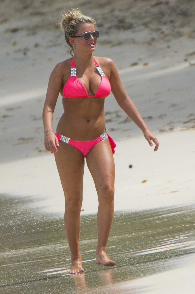 Zara Holland in Pink Bikini at the Beach in Barbados 08/09/2016-1