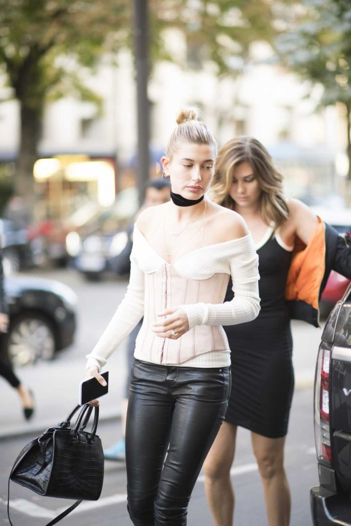Hailey Baldwin Was Seen Out in Paris 09/29/2016-1