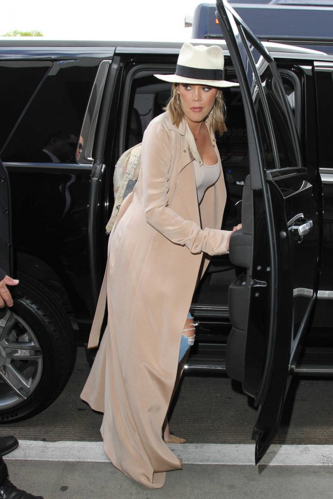 Khloe Kardashian Was Seen at LAX Airport in Los Angeles 09/13/2016-1