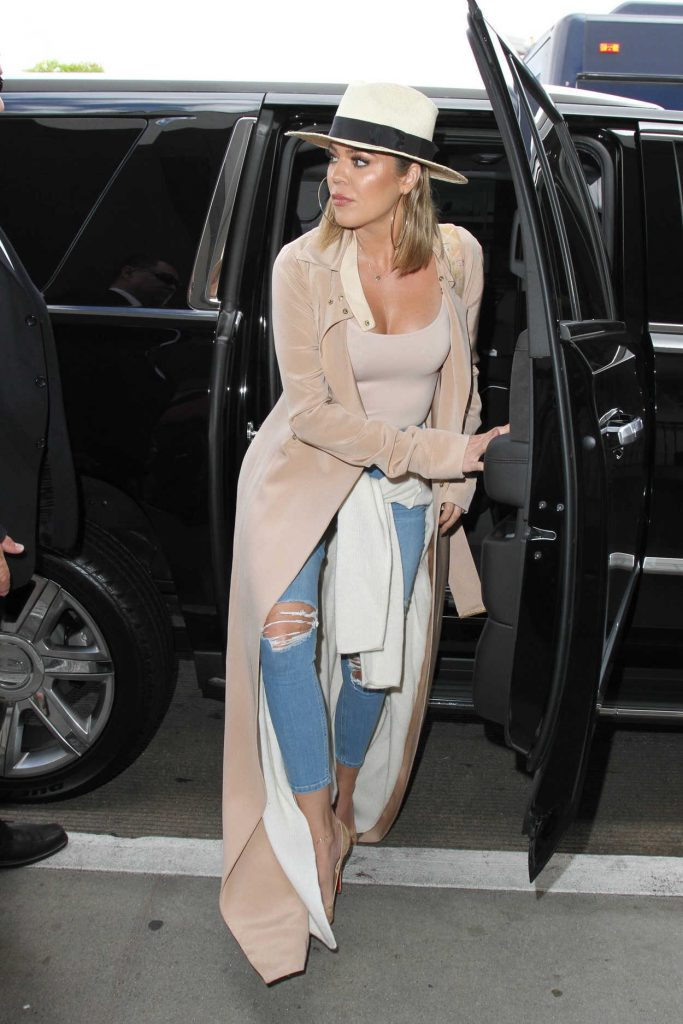 Khloe Kardashian Was Seen at LAX Airport in Los Angeles 09/13/2016-2