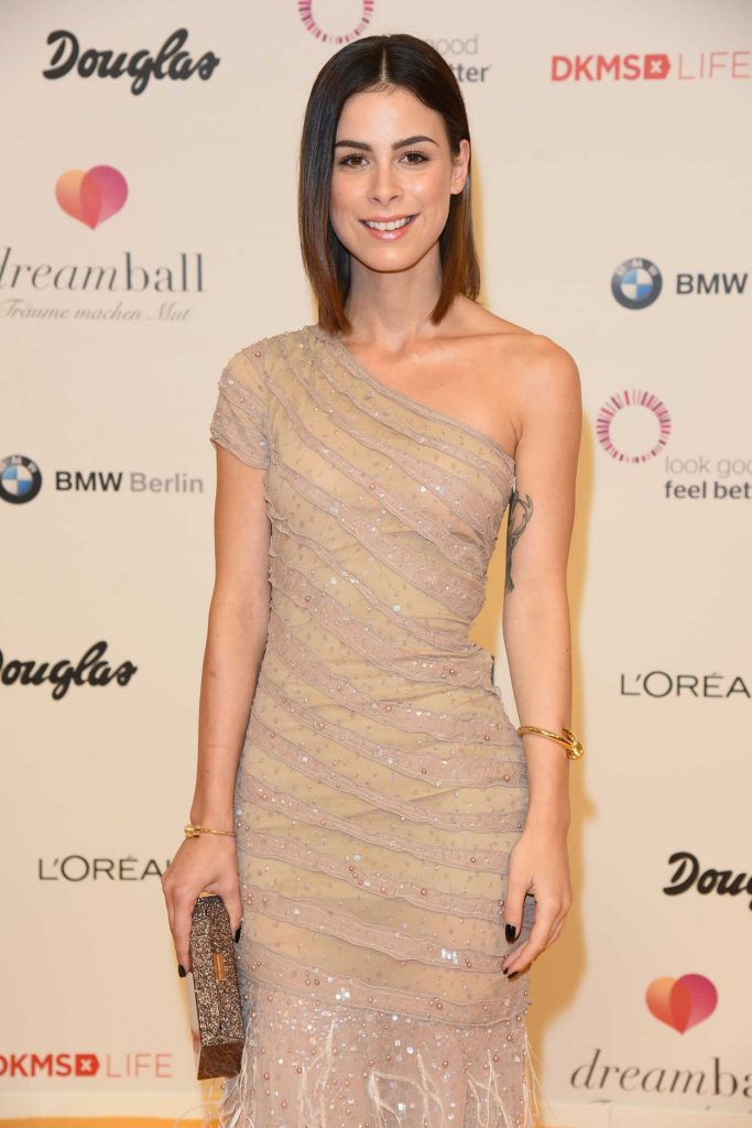 Lena Meyer-Landrut at the DKMS Dreamball 2016 in Berlin 09/29/2016-3