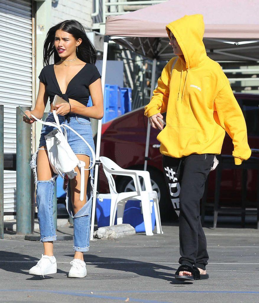 Madison Beer Goes Shopping at the Halloween Spirit Store in Hollywood 09/29/2016-5